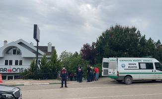 Villanın bahçesine uçan aracın sürücüsü hayatını kaybetti