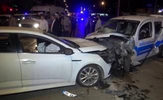 Bursa'da aşırı süratli otomobilin alkollü sürücüsü polis noktasına daldı
