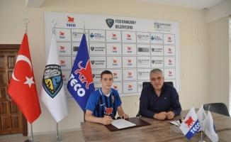 Fenerbahçeli eski futbolcu Mirkoviç'in oğlu Denis Meriç, TECO Karacabey Belediyespor'da