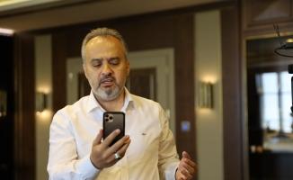 Başkan Aktaş, Türkiye'yi ağlatan Gülsüm Teyze'ye moral verdi