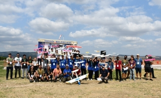 İnegöl'de drone ve kâğıt uçak yarışması