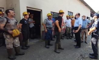 Maden işçilerine kaymakamdan ziyaret