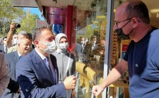 Babacan'ın İnegöl ziyaretine vatandaşlar ilgi göstermedi