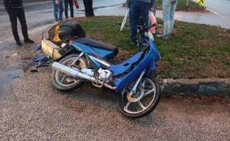 Motosiklet sürücüsü hastanelik oldu
