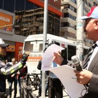 İşçiler 1 Mayıs mitingi için bildiri dağıttı