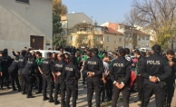 Fotokopi biletlerle maça girişe polis müdahale etti