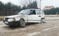 Lambaların yanmadığı kavşakta 3 araç bir birine girdi: 1 yaralı