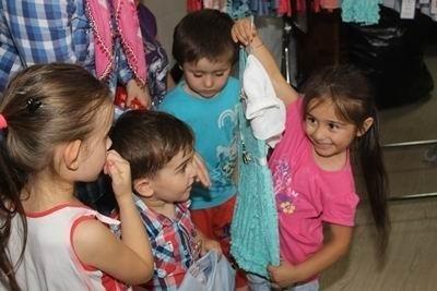 Yardıma Muhtaç Çocukların Bayramlık Sevinci