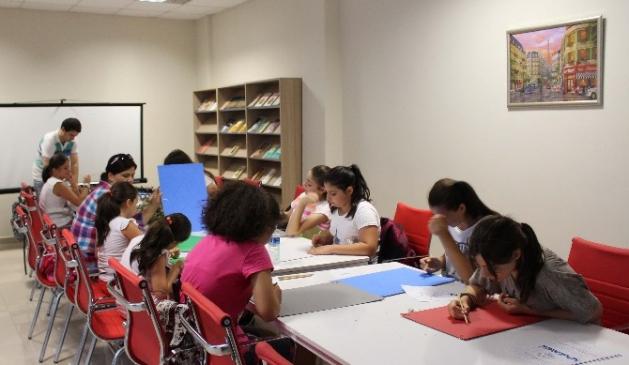 Gençler El Sanatlarını Öğreniyor