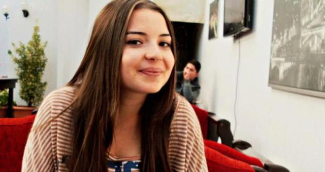 Atanamayan Genç Öğretmen Depresyon Hapı İçerek İntihar Etti