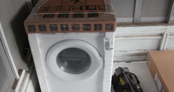 Çamaşır makinesini 55 saniyede çaldı