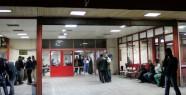 Diyarbakır'da Olaylı Gece: 1'i Polis...