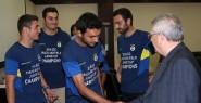 Fenerbahçeli Atletler Aziz Yıldırım'ı...