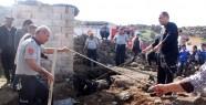 İpini Koparan Inek Kanalizasyona Düştü