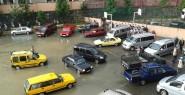 Okul Bahçesini Su Bastı