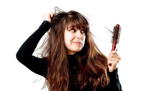 Saç dökülmesini önlüyor! Herkesin buzdolabında var