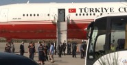 Uçak Ankara'ya Indi