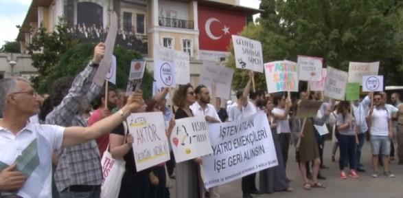 Tiyatrocular CHP'li Bakırköy Belediyesi'ne ateş püskürdü