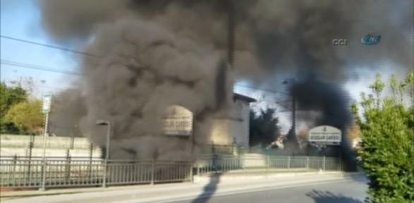 Topkapı Ucuzluk Çarşısı'nda Yangın