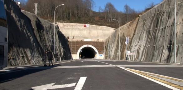 Tünelleri Bakan Açtı