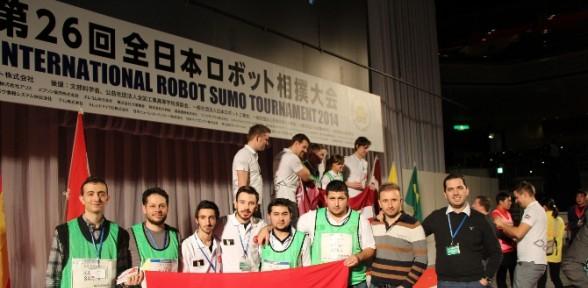Türk öğrenciler Japonya'dan Dereceyle Döndü