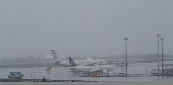 Uçaklar Alkolle Yıkanıyor
