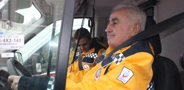 Vali Ambulans Direksiyonunda