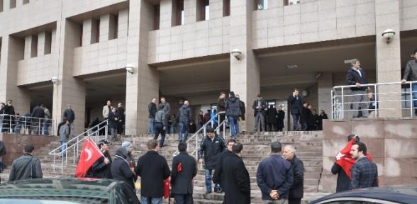 'yasadışı Dinleme'de Mahkeme Süreci Devam Ediyor